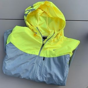 Nike running reflective windbreaker jacket yellow